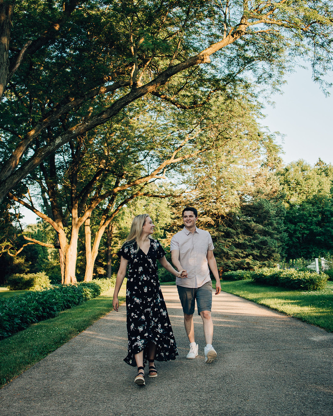 Engagement photo taken by Kyle Cleveland Photo of a couple at Brucemore Mansion, located in Cedar Rapids, Iowa